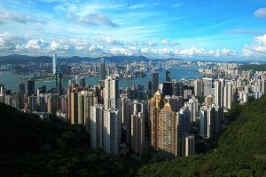 800px-1_hongkong_panorama_victoria_peak_2011