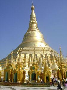 Shwedagon Pagoda Photo Credit: Yarzaryeni via Wikimedia Commons
