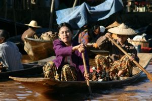 Market on Lake Inle Photo Credit: Justin Blethrow via Wikimedia Commons
