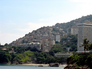 Favela Vidigal in Rio de Janiero By Jeff Belmonte - Flickr, CC BY 2.0