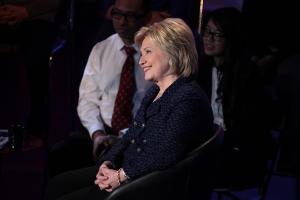 Brown & Black Presidential Forum at Sheslow Auditorium at Drake University in Des Moines, Iowa, 11 January 2016, by Gage Skidmore from Peoria, AZ, United States of America - Hillary Clinton, CC BY-SA 2.0, https://commons.wikimedia.org/w/index.php?curid=46849052