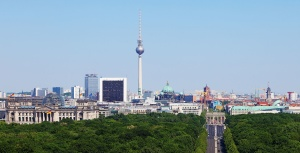 With its modern offices, low prices, and positive investment climate, Berlin seeks to replace London as the official gateway for tech companies to the European Union. Courtesy of http:// http://en.wikipedia.org
